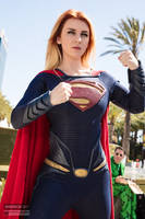 Wondercon 2017 Supergirl Cosplay by Captain Kaycee