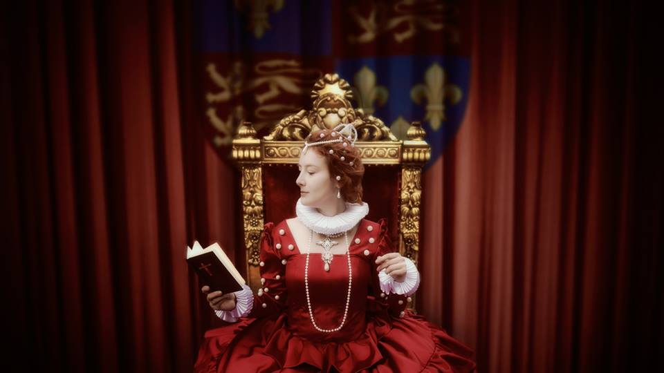 Elizabeth Tudor by grinningsun