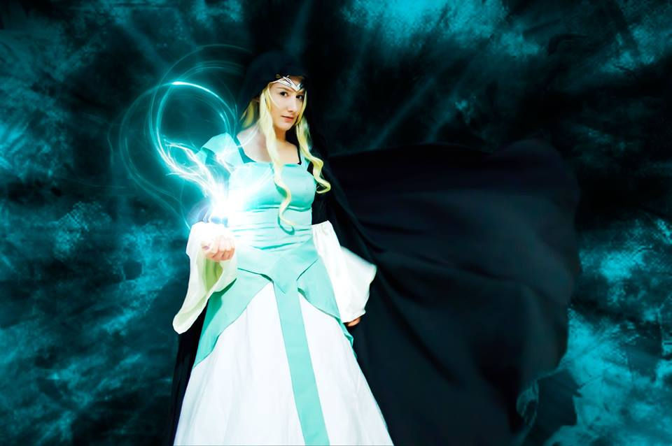 Guardians of Middle Earth- Galadriel by grinningsun