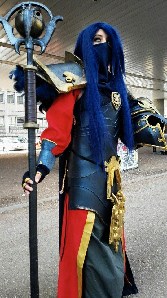 League of legends swain cosplay