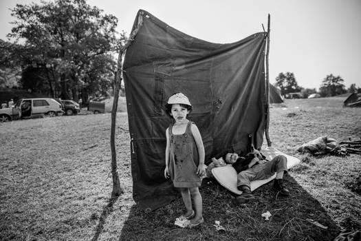|15| No land for children