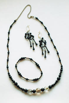 Black Jewelry Set