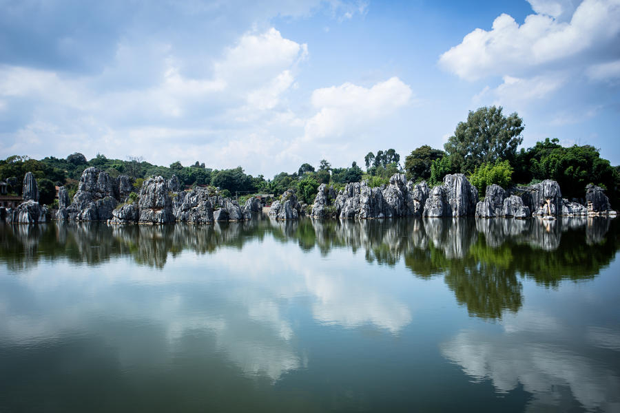 Stone Forest Lake by Aqutiv