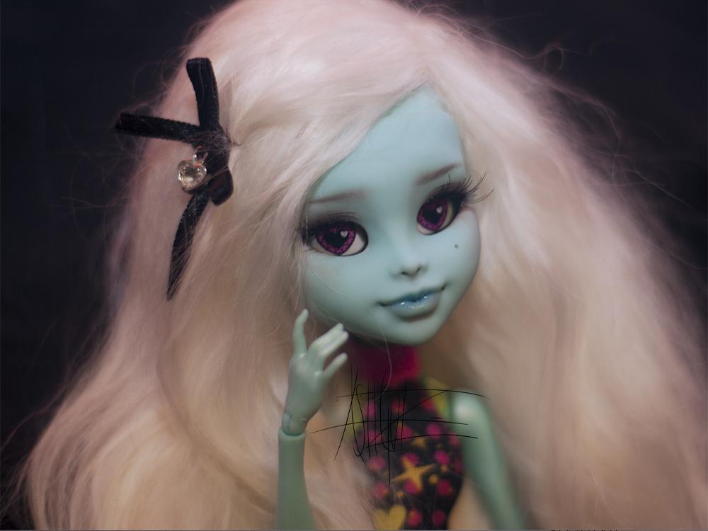 Monster High Inner Monster custom faceplate by AshGUTZ