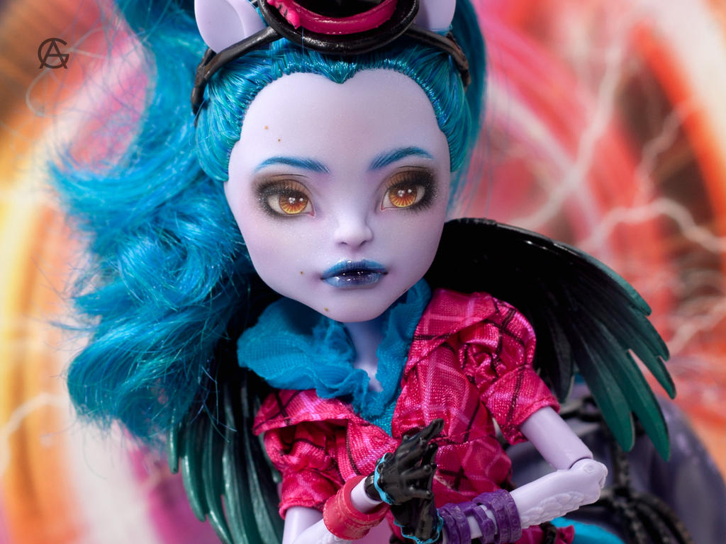 Monster High Repaint (Avea Trotter) by AshGUTZ