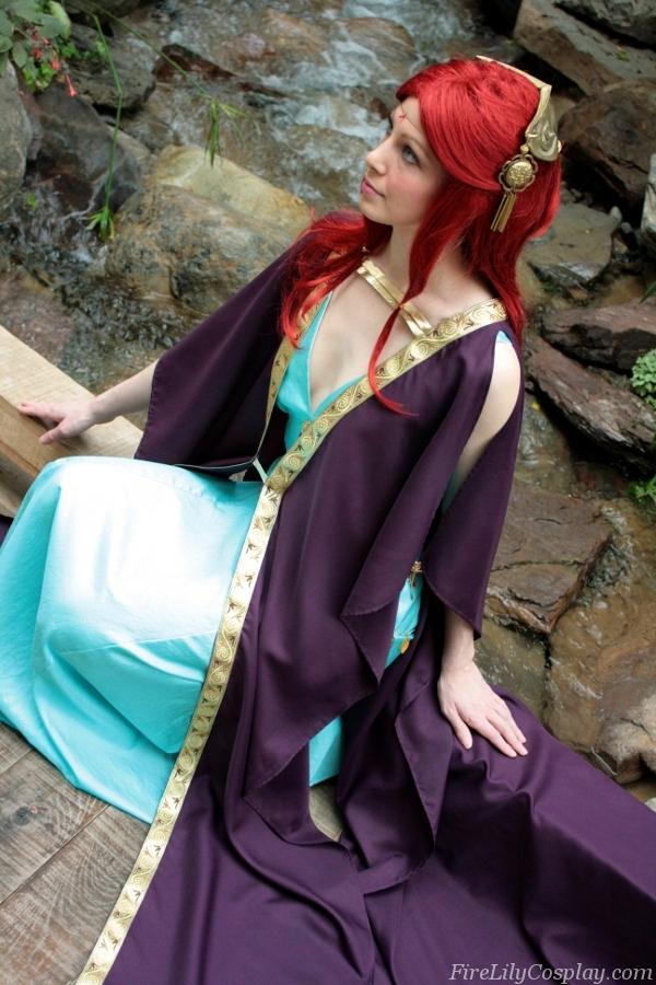 Les cosplay fire emblem A_Tragic_Queen___Fire_Emblem_by_FireLilyCosplay