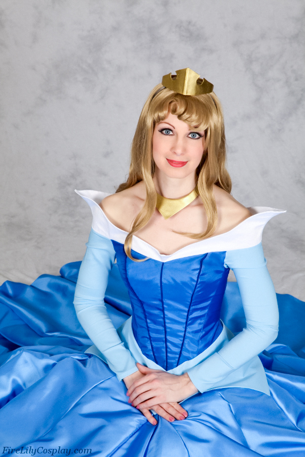 Princess Aurora - Sleeping Beauty by FireLilyCosplay
