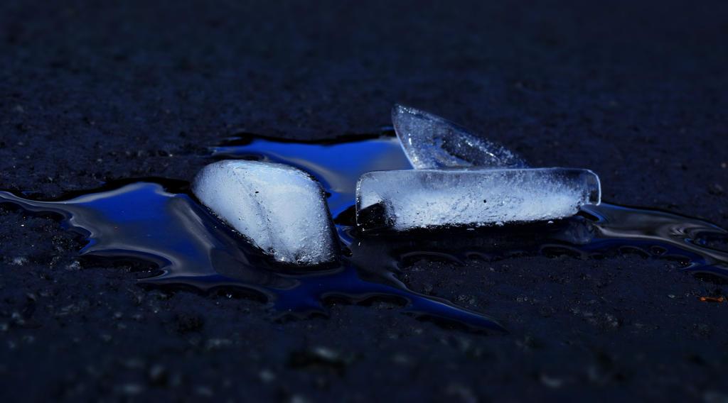 Ice by zoeyjenae