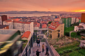 Urban sunset. by MarioGuti