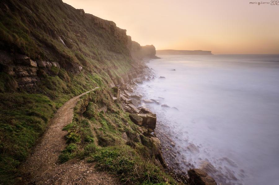 Path to a foggy coast. by MarioGuti