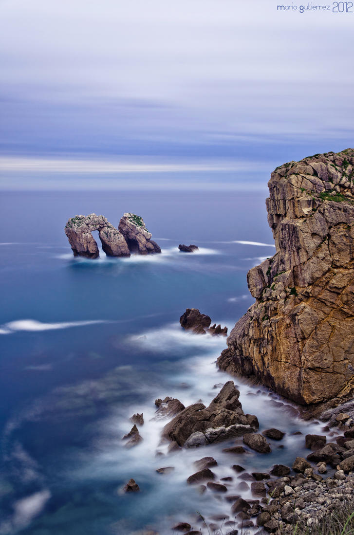 The door to the Cantabrian sea. by MarioGuti