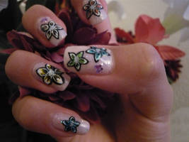 Spring Flower Nails by THJumbie