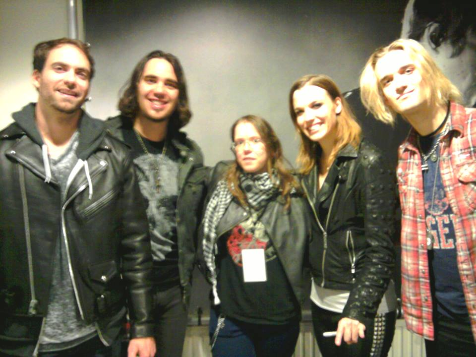 Halestorm meet and greet by thewolfinme on deviantart halestorm meet and greet by thewolfinme m4hsunfo