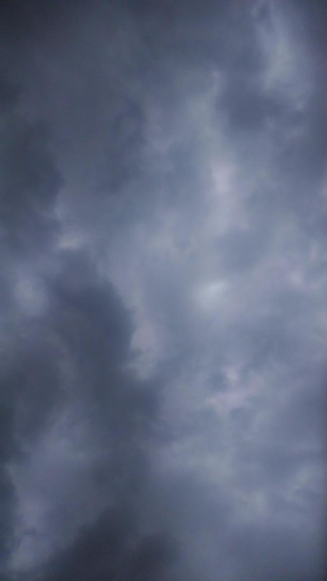 Stormy Skies by Musta-Eyolf-Pedes