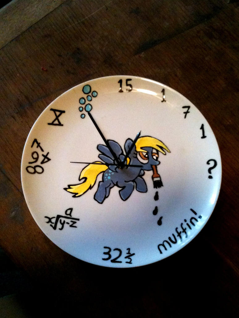 My Little Pony: Derpy Hooves wall clock! by vulpinedesigns