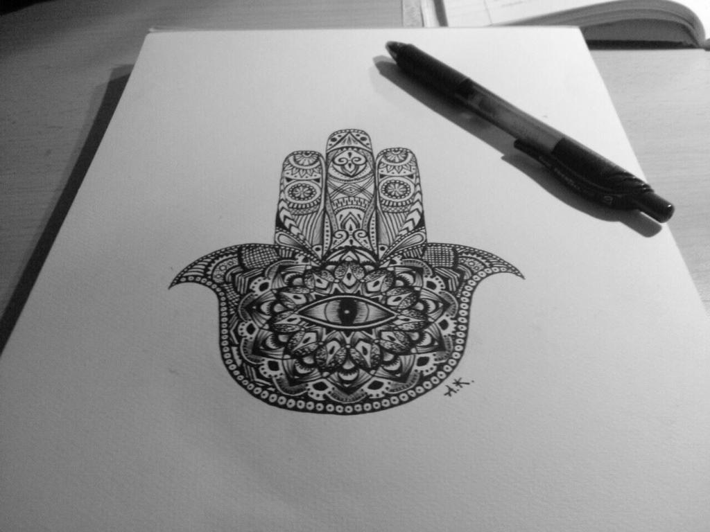 how to draw a hamsa