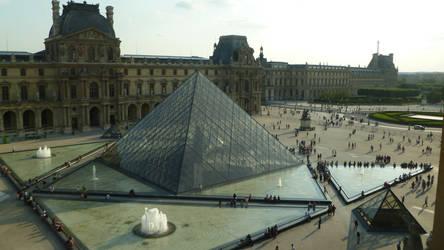 Louvre Pyramid by 4ajka