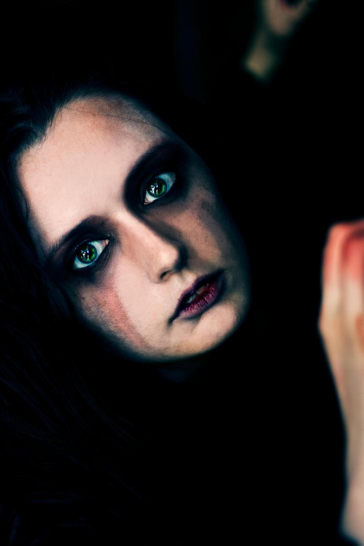 Witch's Stare. by xXlamiaXdeaXx
