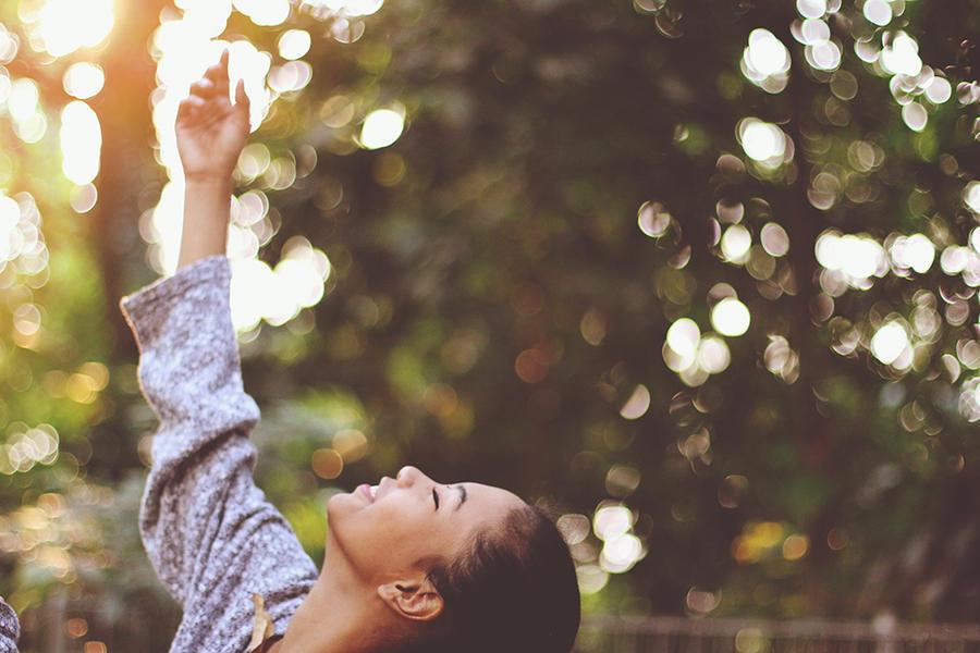 Reaching for the sun by januarain