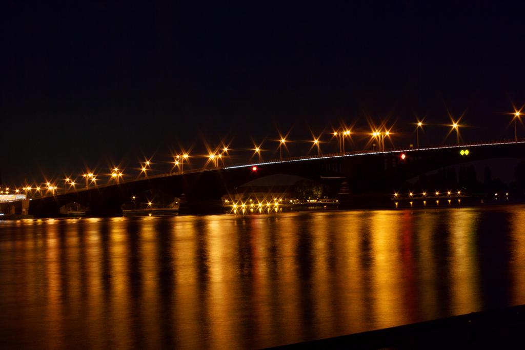 Mainz by night by ScHoKoKeKsChEn