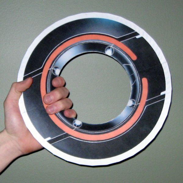 Tron Papercraft: Rinzler Disc by Tektonten