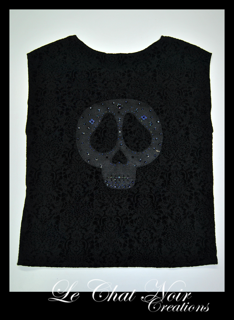 Black T-shirt Skull by LeChatNoirCreations