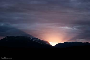 Montain Sundown by OrisTheDog