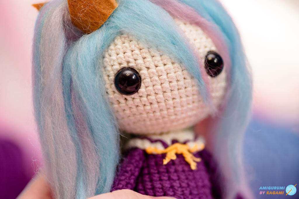 Best Amigurumi Tips and Tricks for Doll Faces - thefriendlyredfox.com | 684x1024