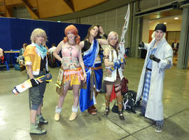 FF XIII cosplay group by JelloxMello