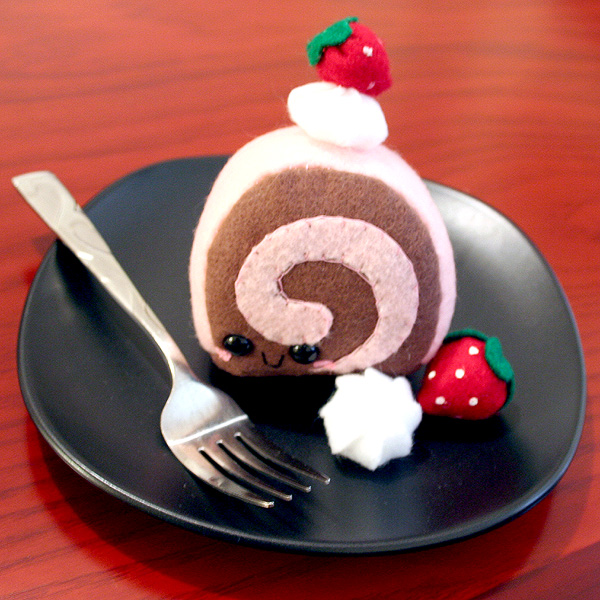 Cake Roll Art : Strawberry Cake Roll Plushie by HezaChan on DeviantArt