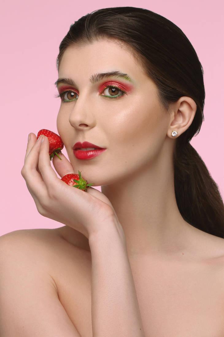 strawberry look by AngelikaZbojenska