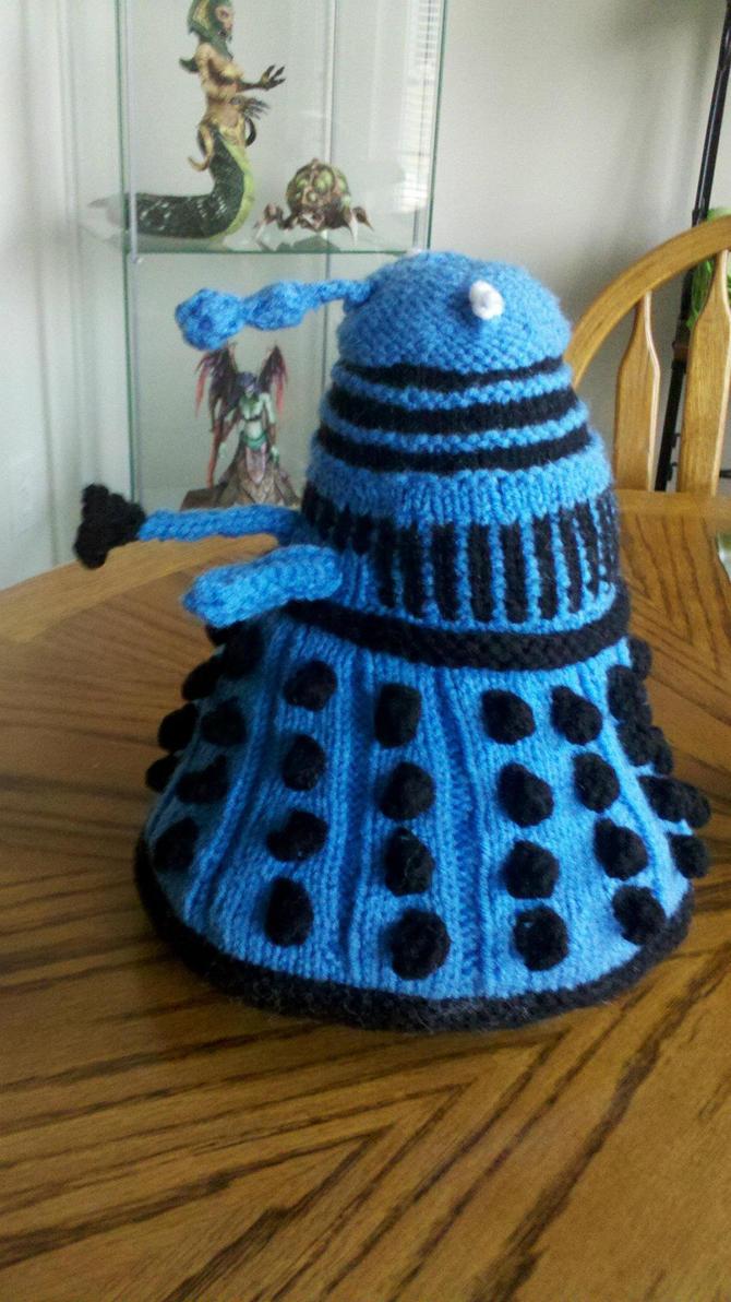 Free Baby Blanket Knitting Patterns Chunky Yarn : Knitted Dalek Plushie by Zaera on DeviantArt