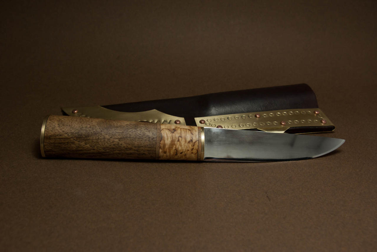 Viking knife with oval shaped handle by Haraldr32