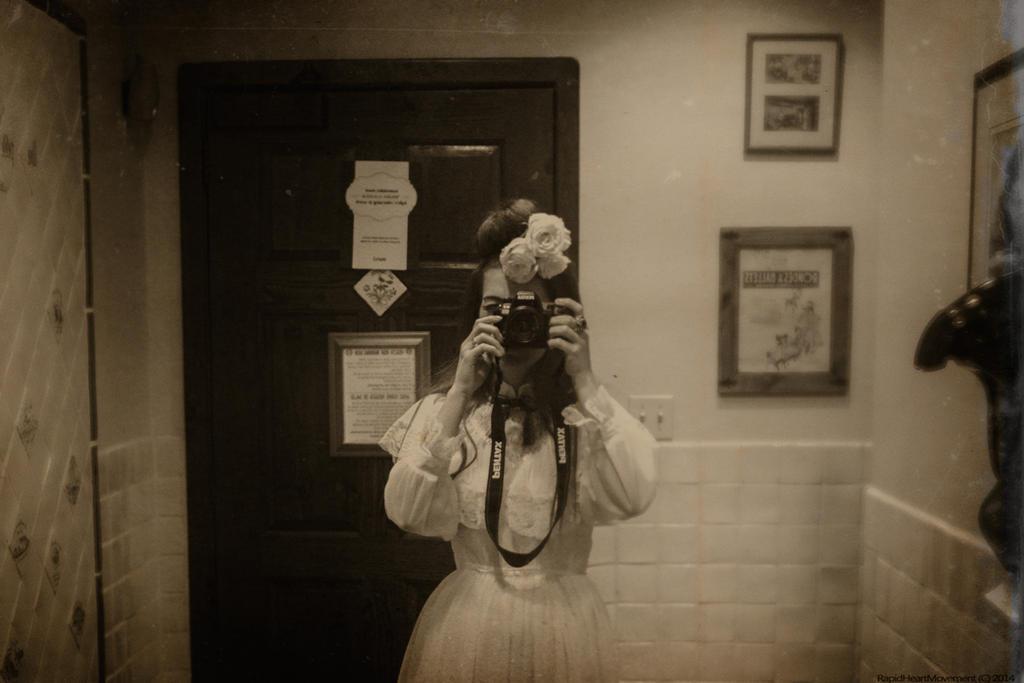 (a la Vivian Maier) by RapidHeartMovement