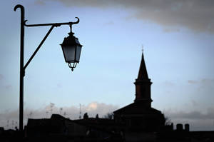 The lamp and the city by OlivierAccart