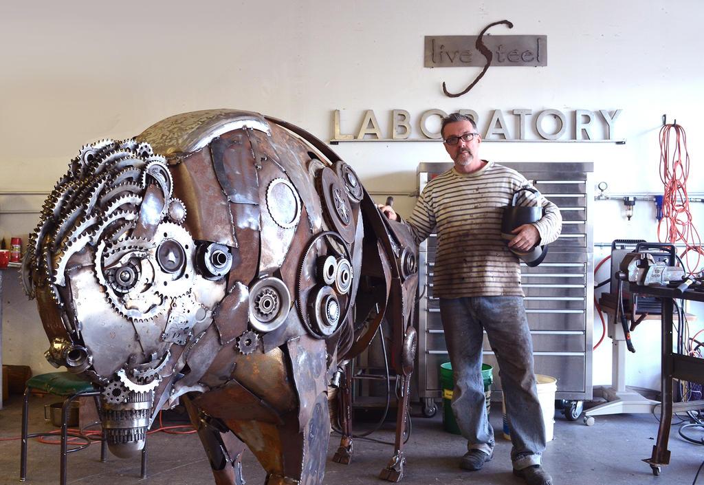 Bison Sculpture and artist by livesteel