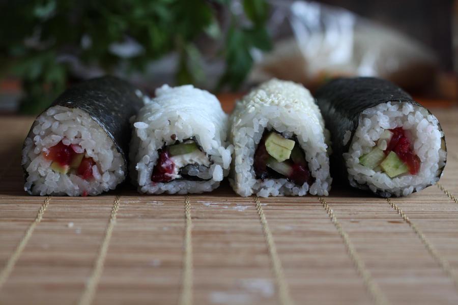 Sushi by kupenska