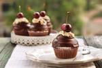 Hi-Hat Cupcakes by kupenska