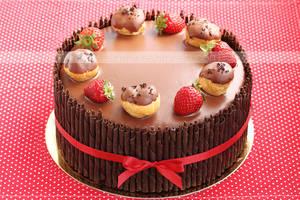 Strawberry and cream puffs cake
