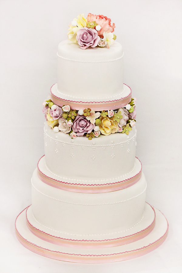 Wedding Cake by kupenska