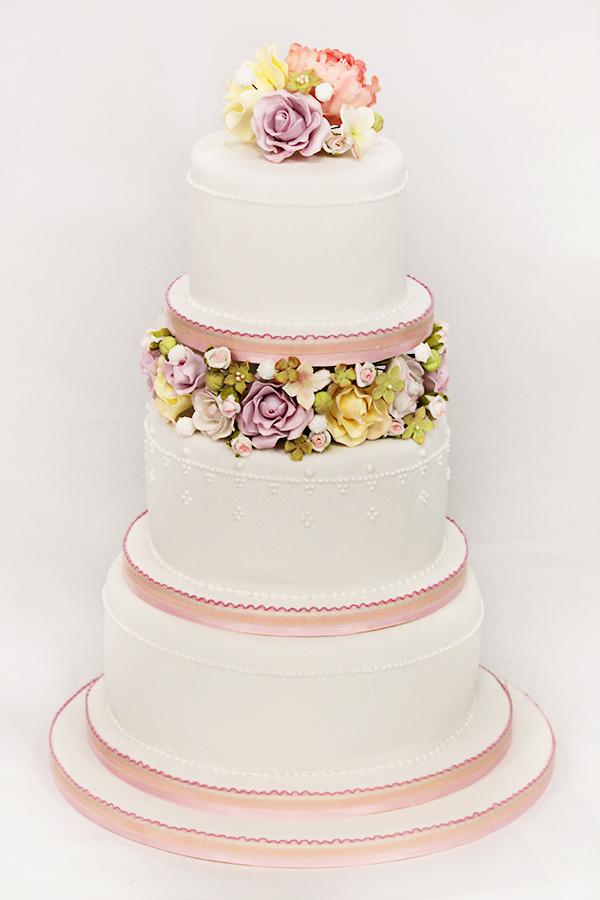 Wedding Cake by kupenska
