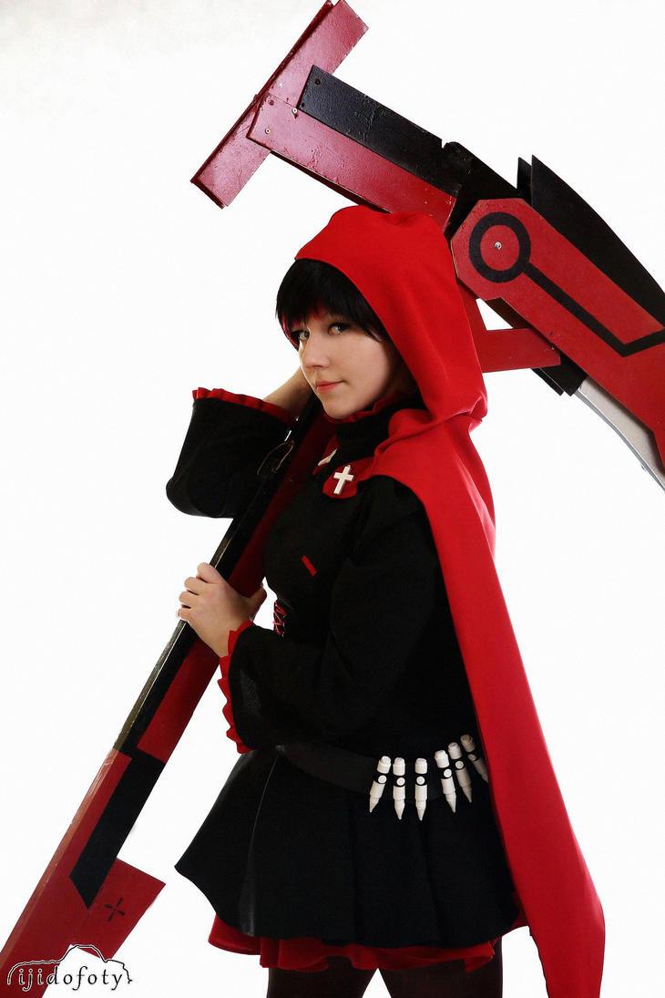 Ruby Rose - RWBY by linasakura