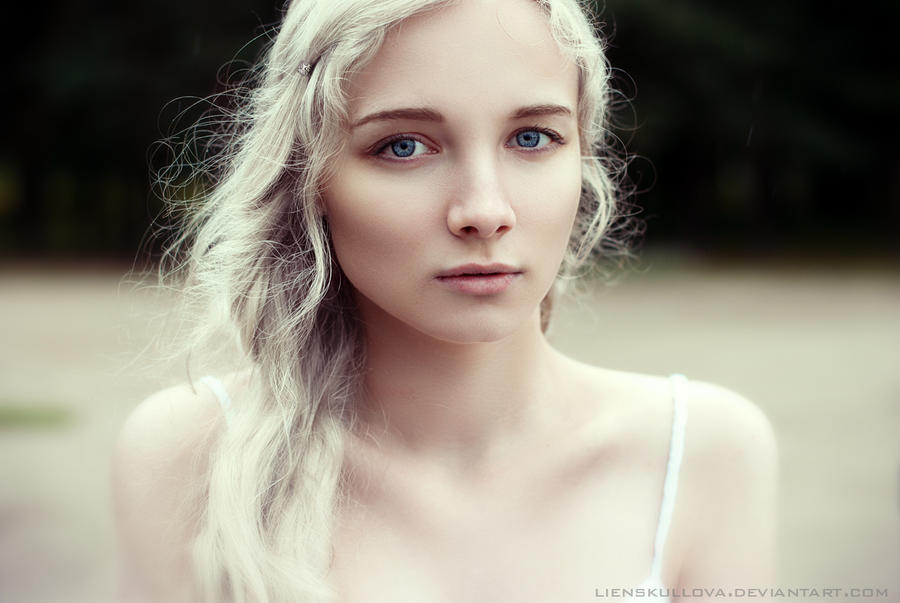 The Silver Queen Daenerys (GAME OF THRONES)