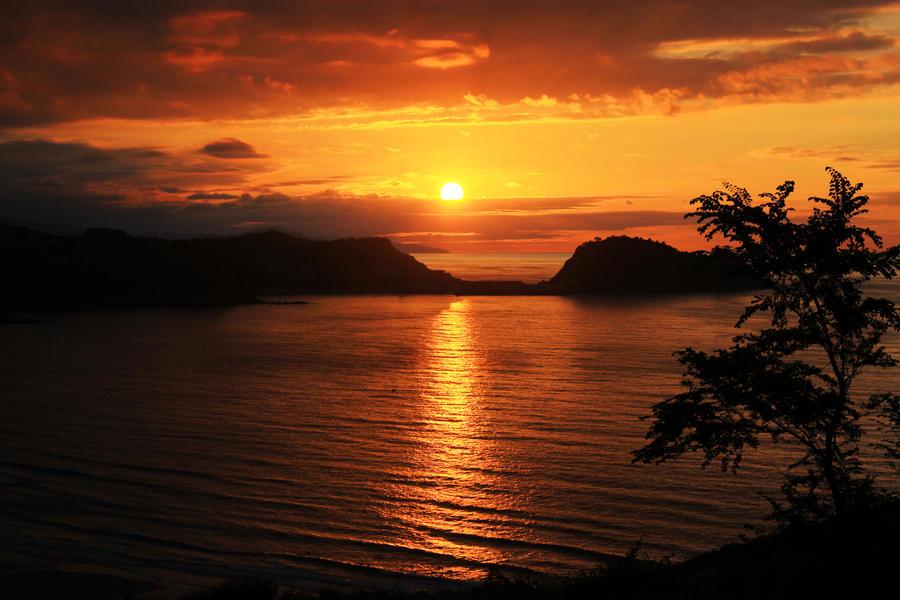 beach sunset by renolobongo