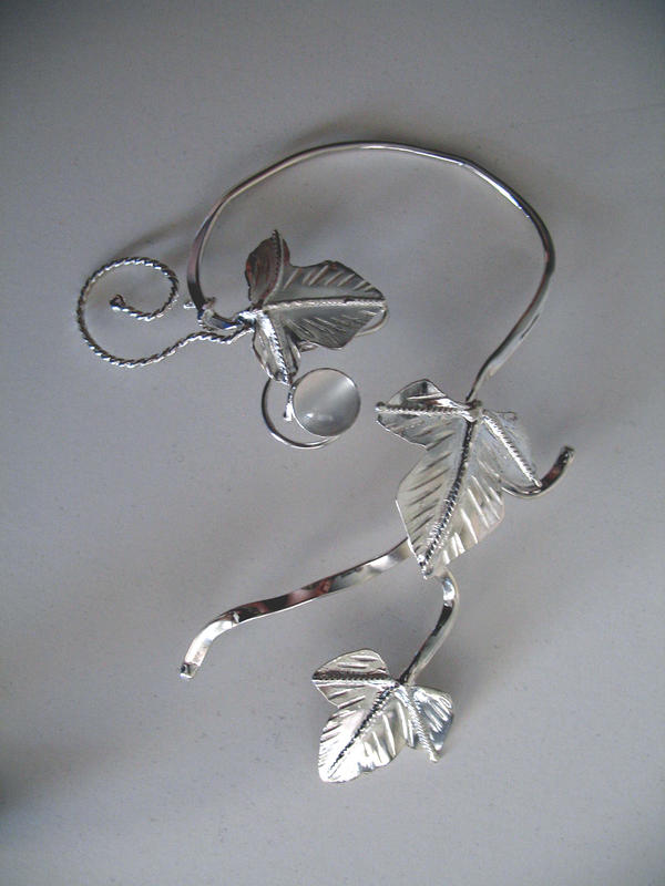 Ivy Leaf Ear Cuff - Moonstone by camias