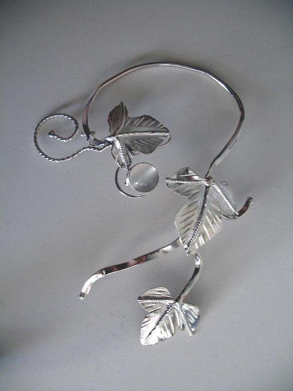 Ivy Leaf Ear Cuff - Moonstone by camias