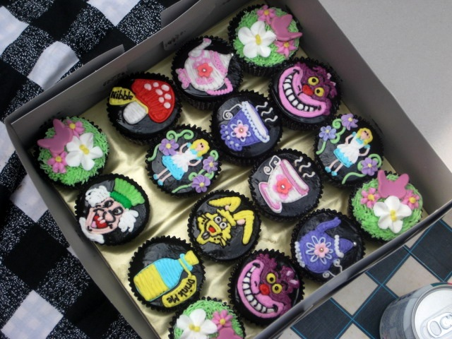 Alice in Wonderland Cupcake Ideas Alice in Wonderland Cupcakes