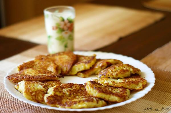Potato pancakes 121_366 by eugene-dune
