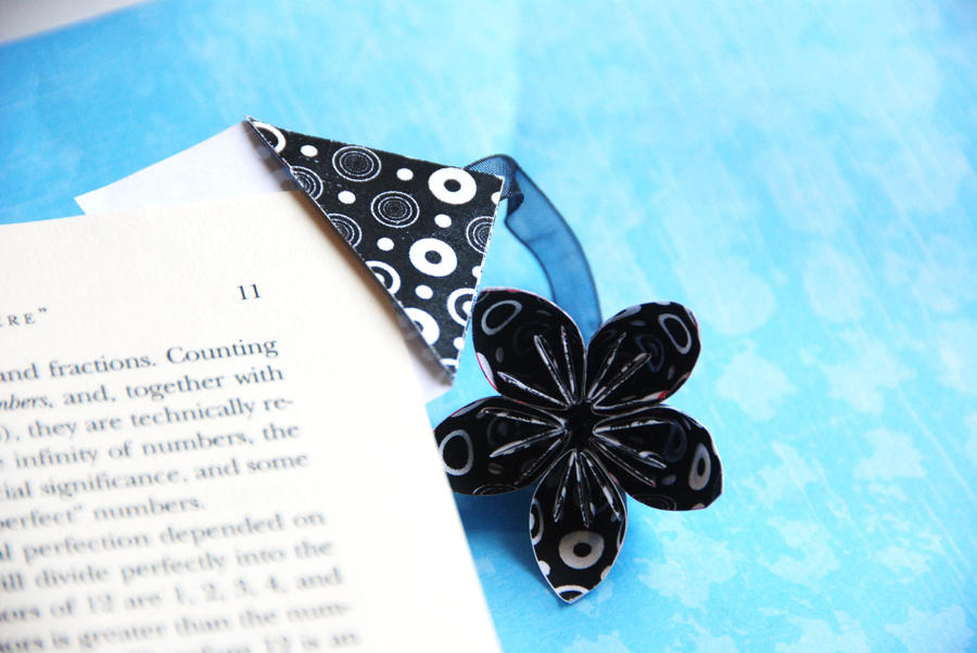 Origami flower bookmark by lisadeng on deviantart origami flower bookmark by lisadeng mightylinksfo