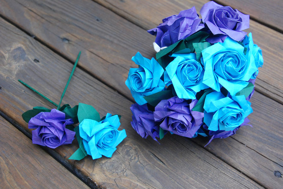Origami blue and purple wedding rose bouquet by lisadeng for How are blue roses made